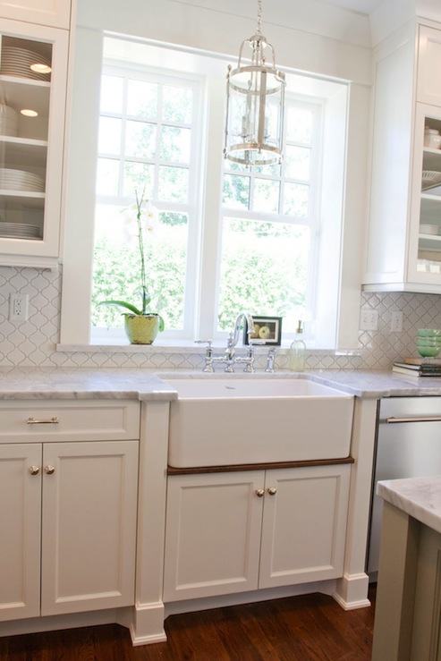 White Arabesque Tiles Cottage Kitchen Bhg