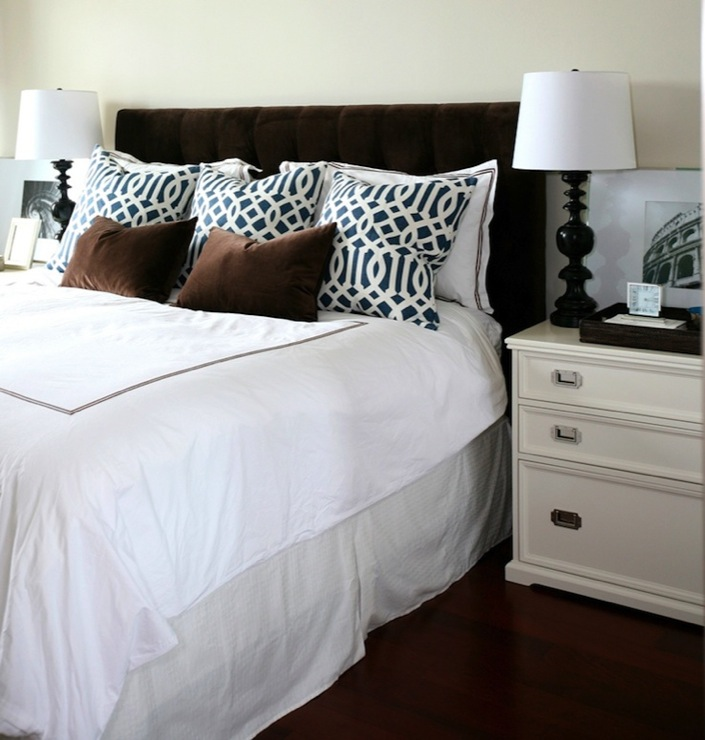 Velvet tufted headboard contemporary bedroom for Bedroom ideas velvet bed