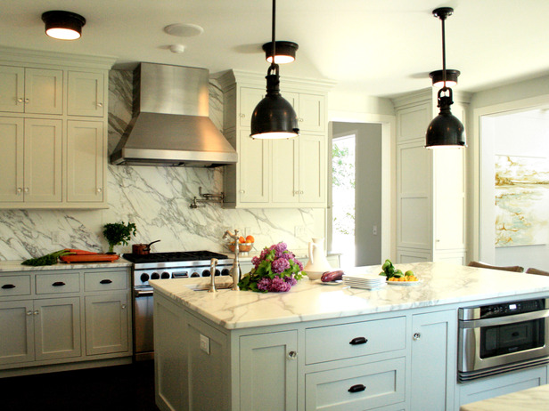 Oil rubbed bronze pendants design ideas for White kitchen cabinets with oil rubbed bronze hardware