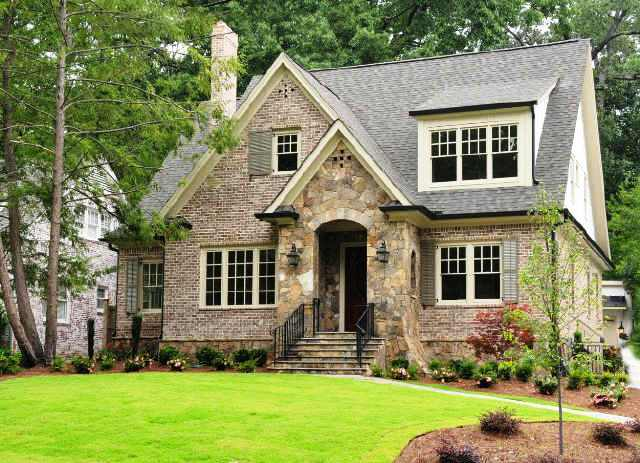 Cottage style home cottage home exterior for Cottage home decor