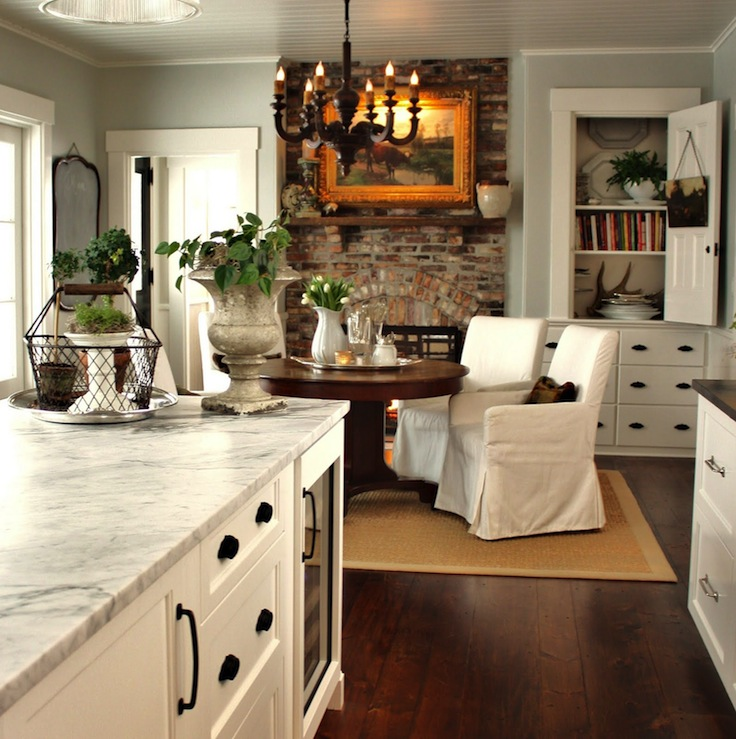 Benjamin Moore Colors For Kitchen: Bianco Venatino Marble Countertop