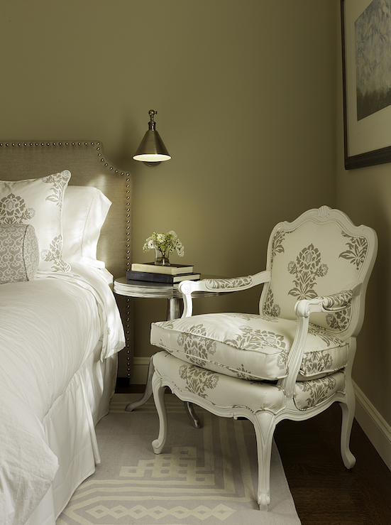 Taupe Bedroom Ideas: Artistic Designs