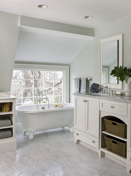 Clawfoot Tub Bathroom Design View Full Size