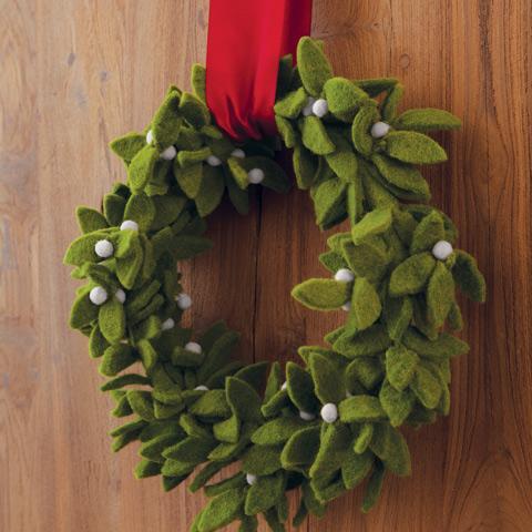 Felt Mistletoe Wreath - Christmas - Olive & Cocoa