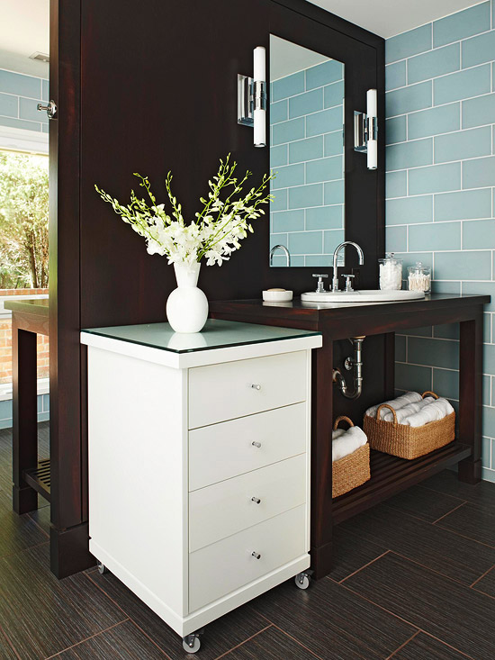 Double sided bathroom vanity contemporary bathroom bhg for Espresso bathroom ideas