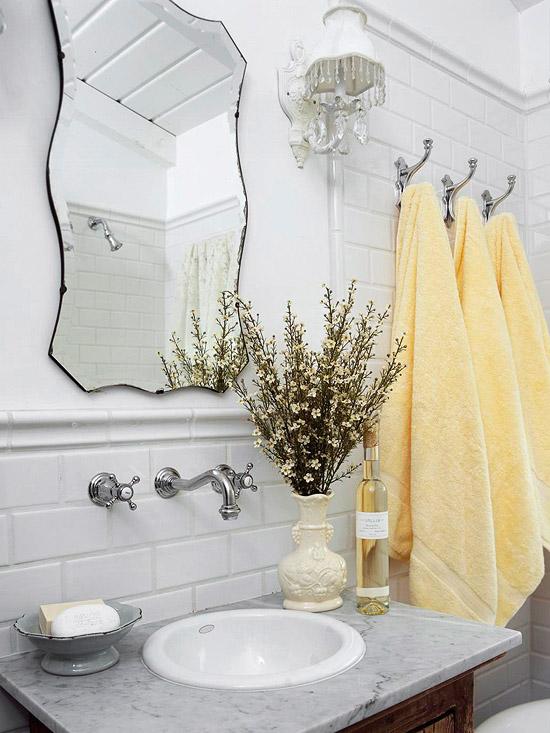 Beveled Subway Tile Cottage  bathroom  BHG -> Banheiro Vintage Moderno