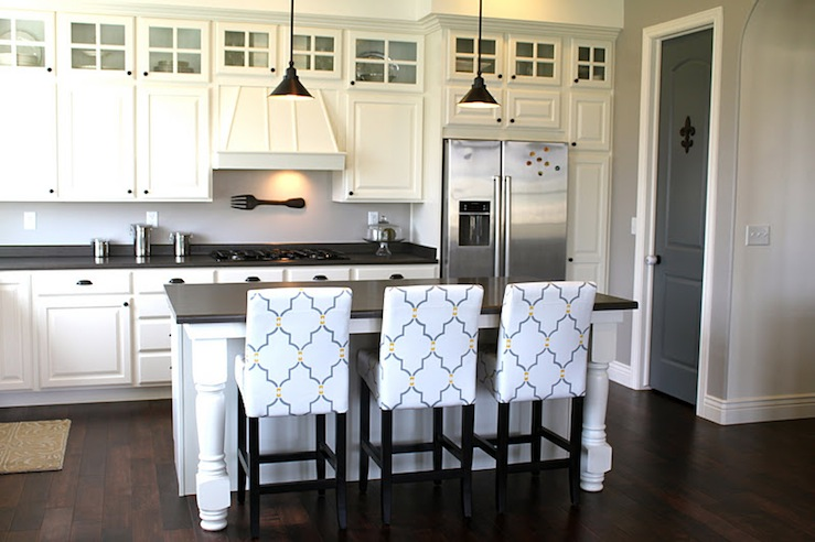 Black And White Counter Stools Design Ideas