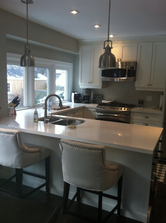 Yoke Pendants Transitional Kitchen