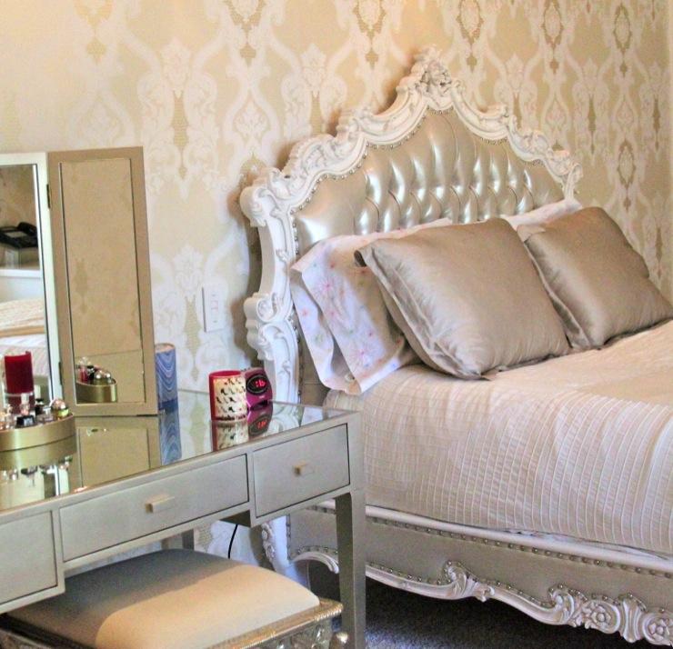 Vintage bedroom with cream flocked wallpaper for Vintage bedroom wallpaper