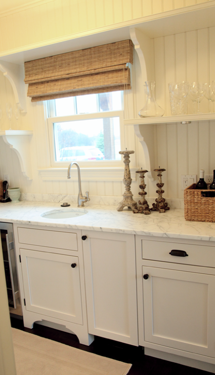 White Beadboard Backsplash Design Ideas