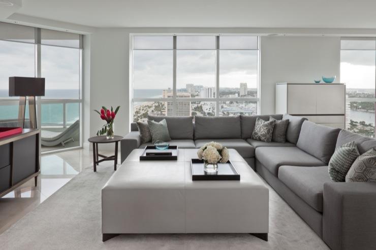 Living Room Benjamin Moore Decorator White