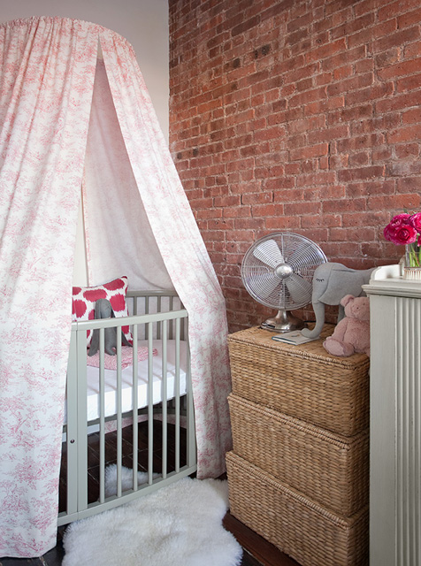 Exposed brick wall gray crib with pink canopy Ikea pelt stacked storage baskets and hot pink ikat pillow. & Canopy Crib Design Ideas
