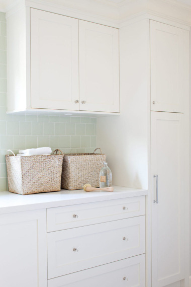 white laundry room cabinets contemporary laundry room kelly deck design. Black Bedroom Furniture Sets. Home Design Ideas