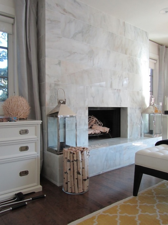 White And Gray Fireplace Tiles - Design photos