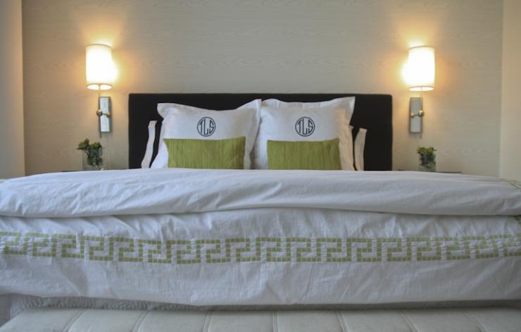 Greek key bedding contemporary bedroom sabbe for Greek bedroom decor