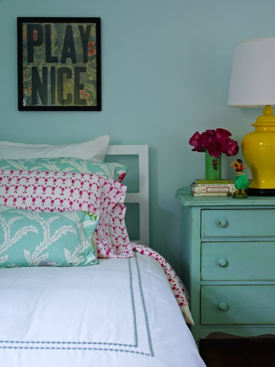 Turquoise nightstand cottage girl 39 s room bella - Turquoise and pink bedroom ...