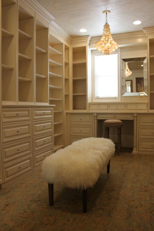 walk in closet shelves transitional closet. Black Bedroom Furniture Sets. Home Design Ideas