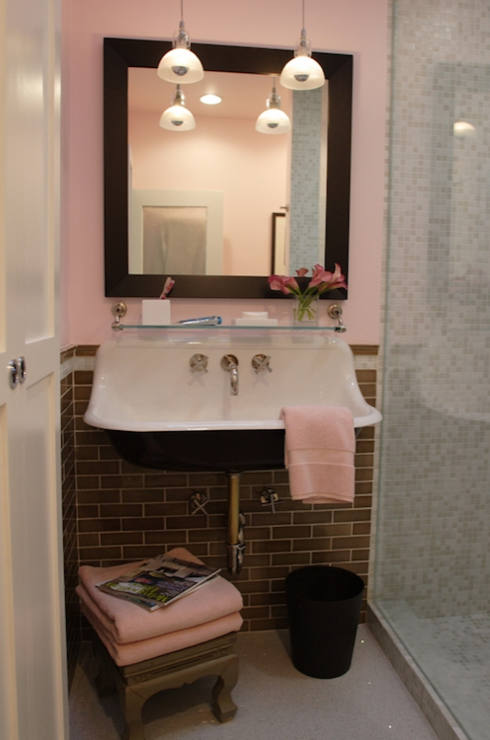 Pink and gray bathroom design ideas for Pink grey bathroom accessories