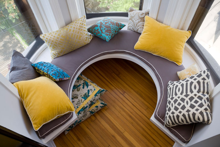 how to build a curved window seat