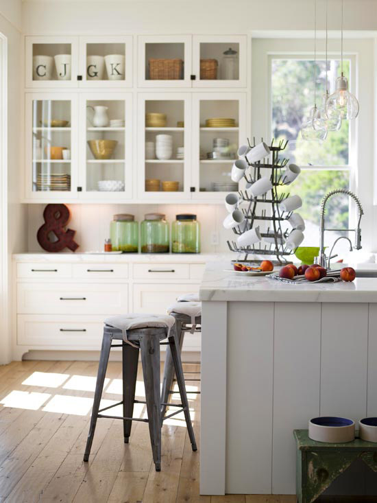 Tolix stool cottage kitchen bhg for Bhg kitchen design