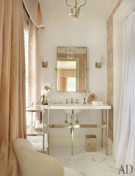 Valance and curtains traditional bathroom architectural digest - Change your old bathroom to traditional bathrooms ...