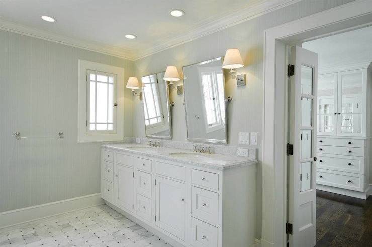 Bathroom vanity light bulbs