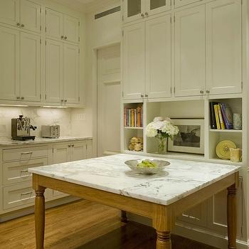 Square Marble Island, Traditional, kitchen, Ethelind Coblin Architect