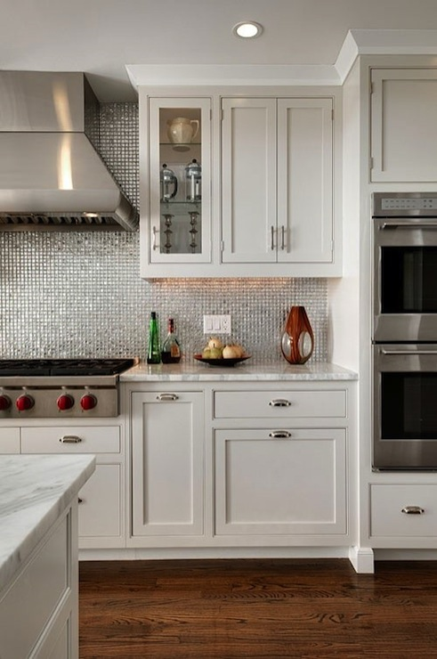 Modern, contemporary kitchen with white shaker kitchen cabinets