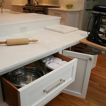 Drop Down Baking Island Design Ideas