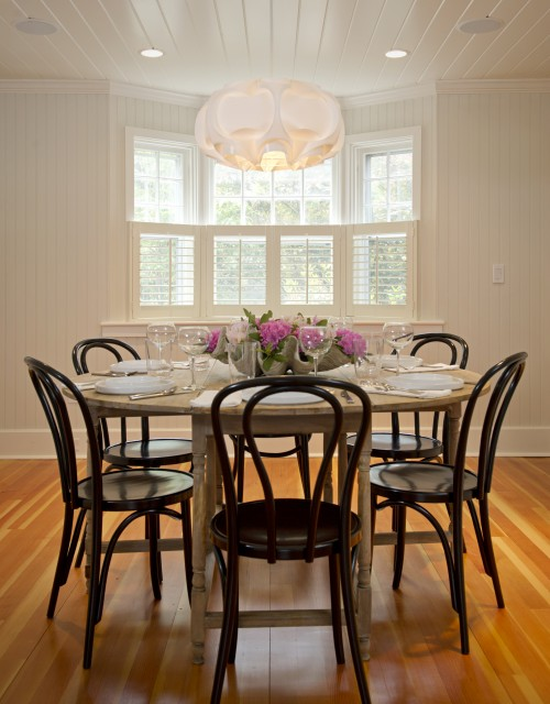 Black bentwood chairs contemporary dining room for Round dining room table centerpieces