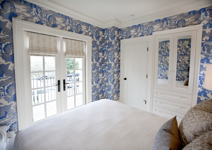Blue And White Toile Bedroom: Summer Palace Wallpaper