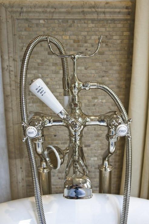 Limestone backsplash transitional bathroom pine for Limestone tub