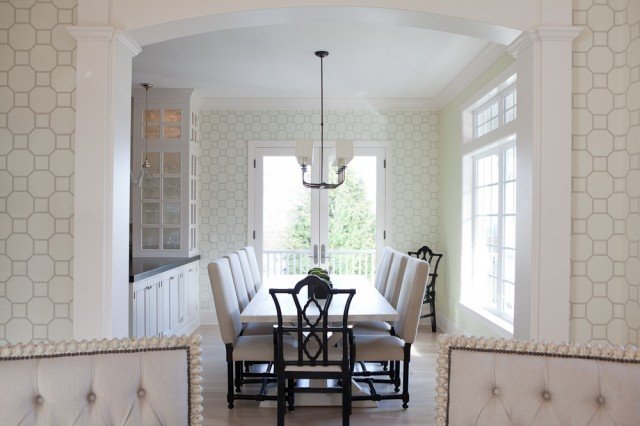 Chic Elegant Dining Room Design With White Gray Geometric Pattern Wallpaper Glossy Black Captain Emperor Armchairs Trestle Table And Ivory