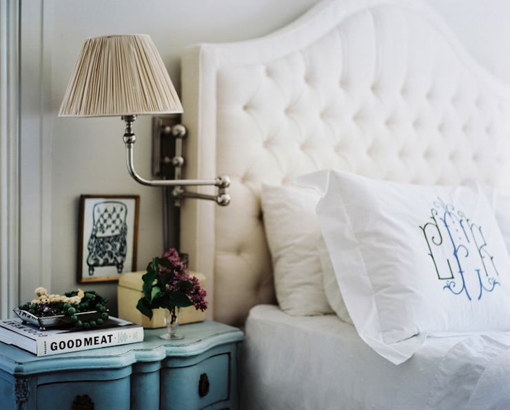 White Bedroom Wall Sconces : White Velvet Tufted Headboard Design Ideas