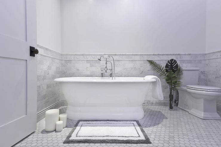 Pedestal Soaking Tub