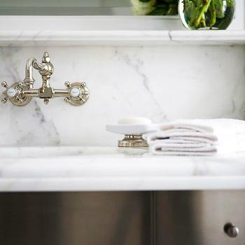 Vintage Style Bathroom Sink Faucet Design Ideas