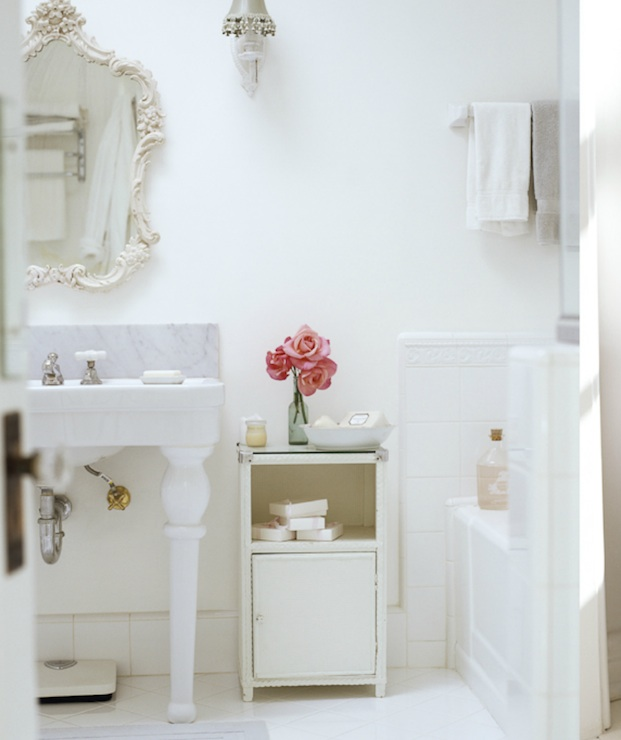 Shabby chic bathroom french bathroom reed davis for French shabby chic bathroom ideas