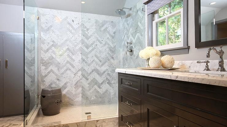 Exceptionnel Herringbone Shower Surround