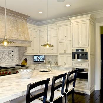 Antique White Kitchen Cabinets Design Ideas