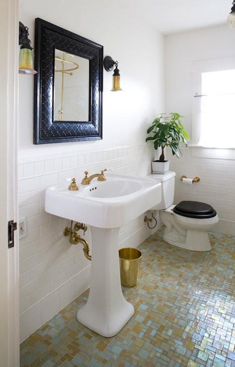 Vintage Bathroom Pedestal Sinks