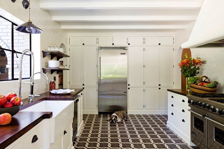 Floor to ceiling kitchen cabinets vintage kitchen for Long kitchen wall units