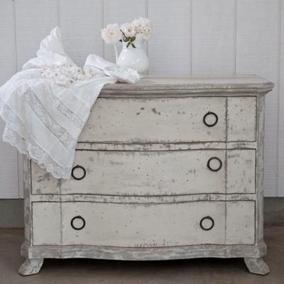 Beautiful Rachel Ashwell Shabby Chic Couture   Anna Dresser