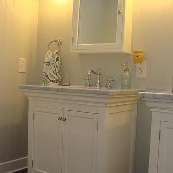 'Girls Bathroom Design' from the web at 'https://cdn.decorpad.com/photos/2012/07/02/m_6232d28dd88a.jpg'