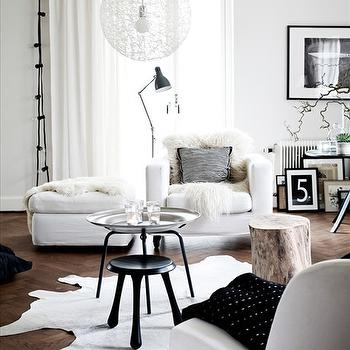 White Chaise Lounge, Contemporary, living room, Skonahem