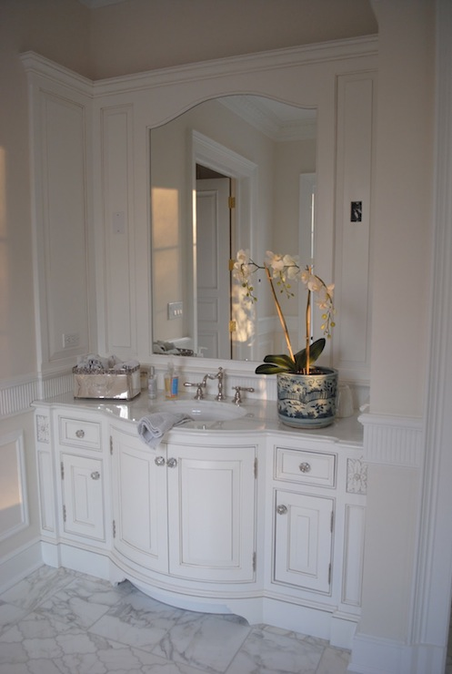 Bow Front Bathroom Vanity Design Ideas