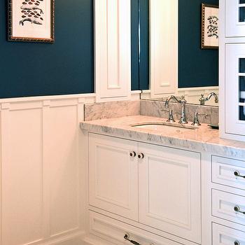Peacock blue walls design ideas for Peacock bathroom ideas