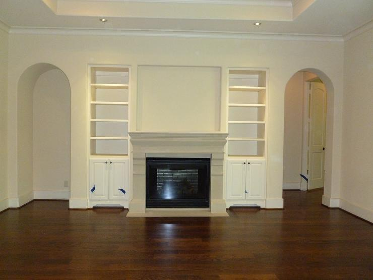 Living Room   Benjamin Moore Antique WhiteRoom   Benjamin Moore Antique White. Antique White Paint For Living Room. Home Design Ideas