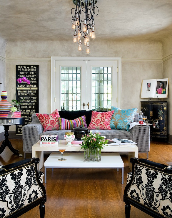 Pink And Blue Living Room Cottage Living Room Bhg