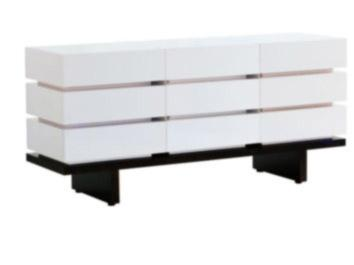 Nurseryworks �?? Three-Wide Dresser