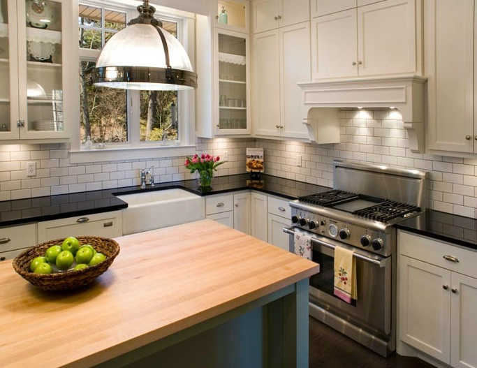 Two tone kitchen cabinets design ideas for Kitchen designs two tone cabinets